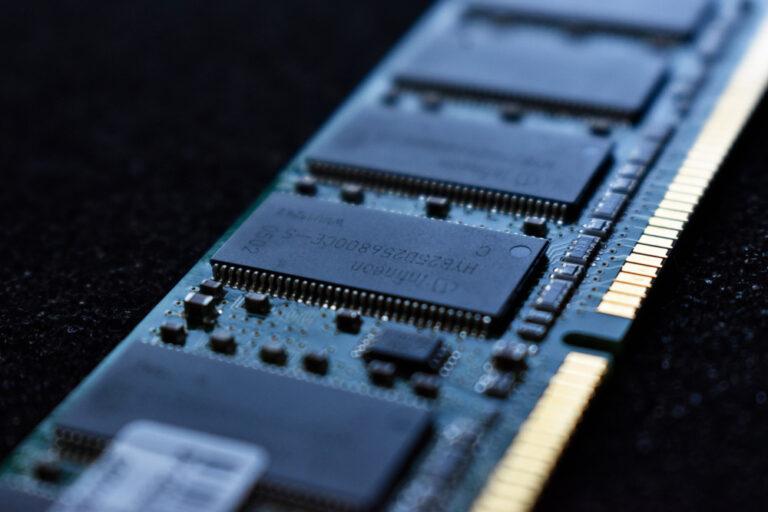 Ein RAM-Riegel in Detailansicht